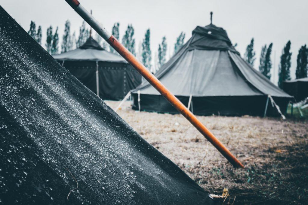 Zelte an der Akademie Mont Cenis, einem alten Zechengelände